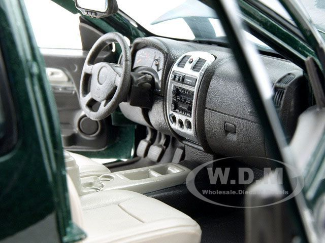 GMC CANYON PICKUP TRUCK GREEN 118 DIECAST MODEL CAR BY MAISTO 31679
